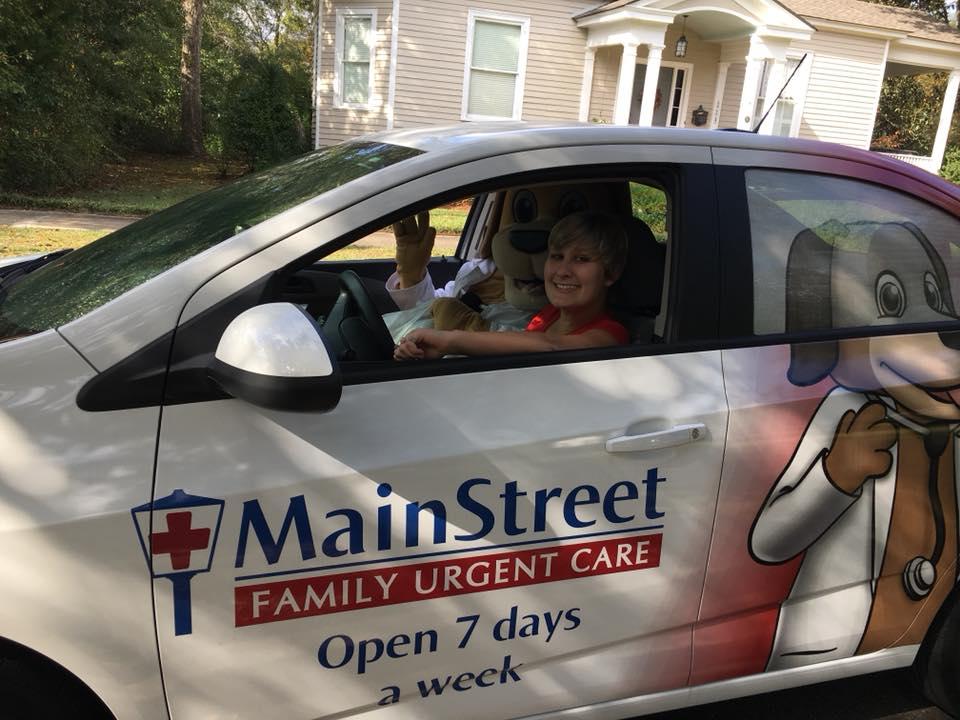 Mainstreet Car and Mascot