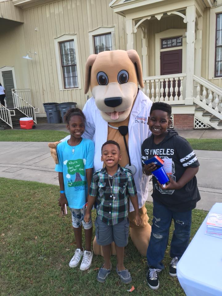 MainStreet Mascot with Kids May Movie Night