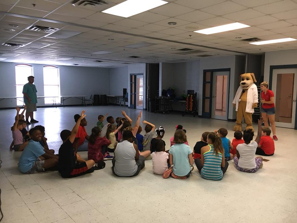 MainStreet Mascot talks to kids about dangers of summertime activities