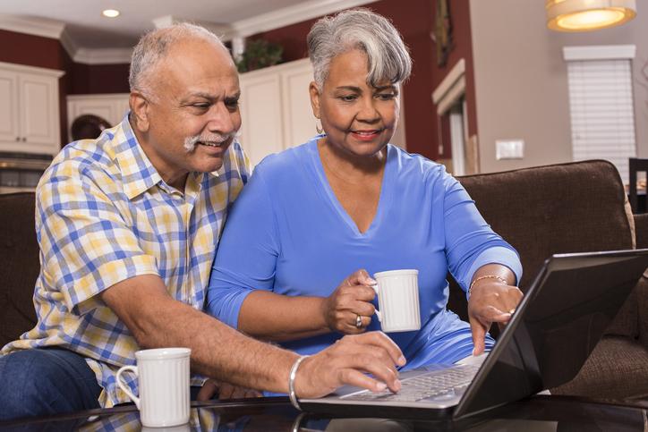 older Georgia couple online registration for covid-19 vaccine